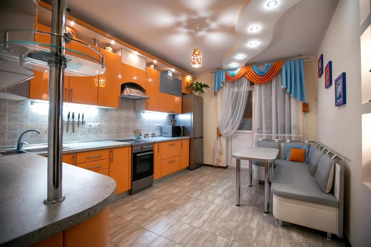 навесные потолки фото для кухни унынием