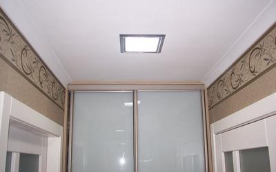 Тканевый натяжной потолок в прихожую