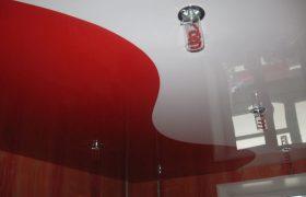 Натяжные потолки двухцветные одноуровневые