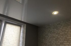 Глянцевые натяжные потолки в Екатеринбурге